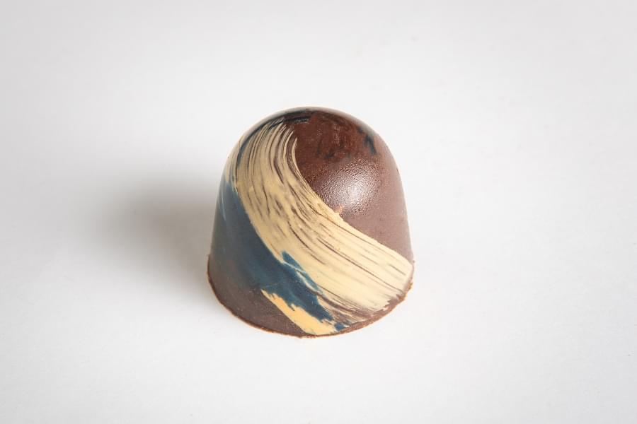 Pralinka, hořká čokoláda s příchutí citronu